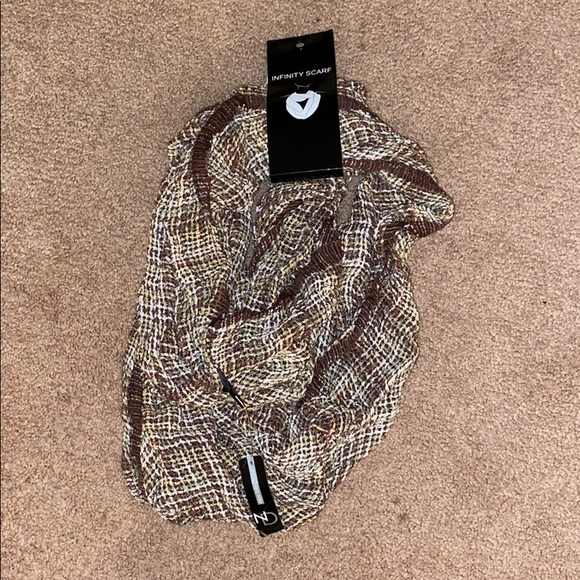 new directions Accessories - Infinity Scarf